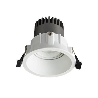 Spot Light DL9010 R8 Featured Image